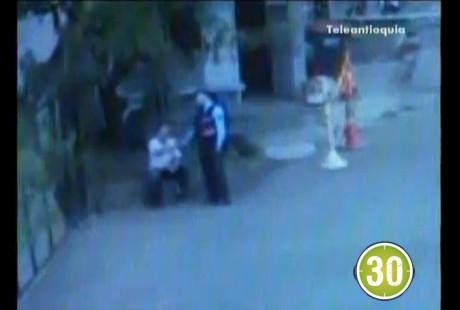 guarda2 Intolerancia vial: Guarda de tránsito y taxista se liaron a puños. Video