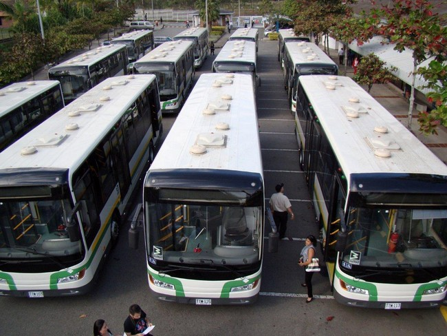 DSC02328 Copiar 2 Llegaron los nuevos buses padrones para Metroplús
