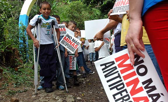 minas antipersonal 2.500 niños del Bajo Cauca reciben educación para disminuir riesgo por minas antipersonal