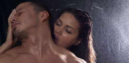 Masaje a mi mujer sin que se de cuenta 7