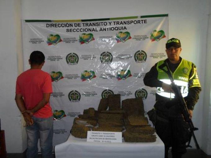 marihuana2 En la vía Tarazá Caucasia: Capturan un hombre con 20 mil gramos de marihuana