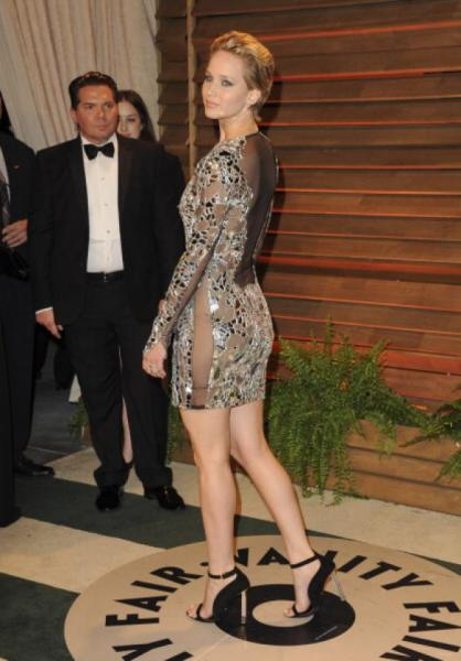 Jennifer lawrence captada sin ropa interior en after party for Rihanna sin ropa interior
