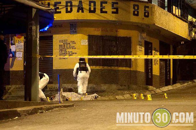 diamante5 Sicarios en moto lo asesinaron cerca de la cancha de Robledo El Diamante. Fotos