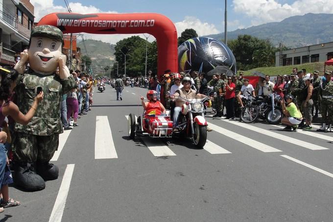 Desfile Motos 2013 (1) (Copiar)