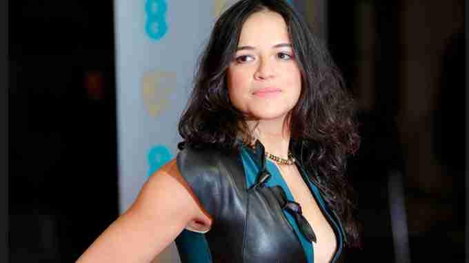 En Video La Actriz Michelle Rodríguez Baila Desnuda En Un Lago