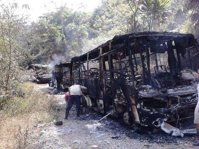 BUSETAS 1 A las Farc fue atribuida la quema de cuatro vehículos en Anorí