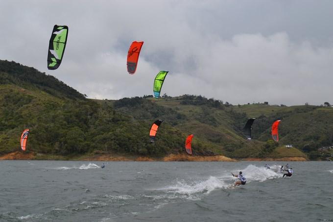 Foto Nacional de Kitesurf - Lago Calima