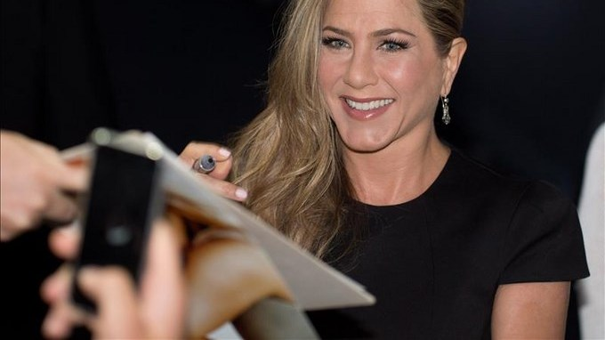 Jennifer Aniston. Polémica portada retoma maternidad