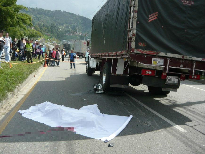 Resultado de imagen para muertes accidente de transito caldas