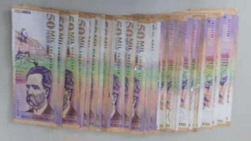 Dinero incautado. Foto: Policía Metropolitana
