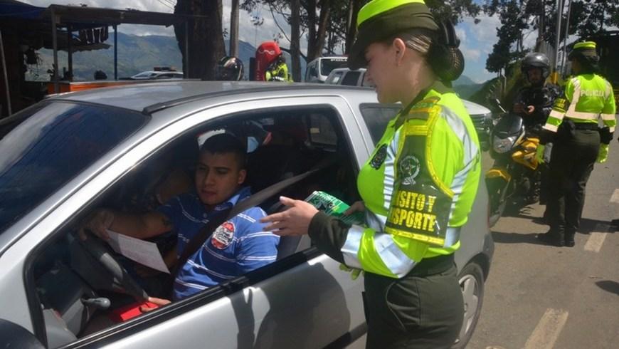 policía fotos de chicas culonas