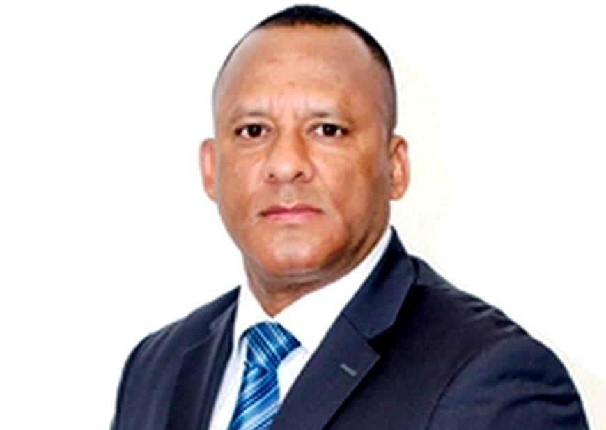 El Diputado Jorge Hernández Quiñónez.