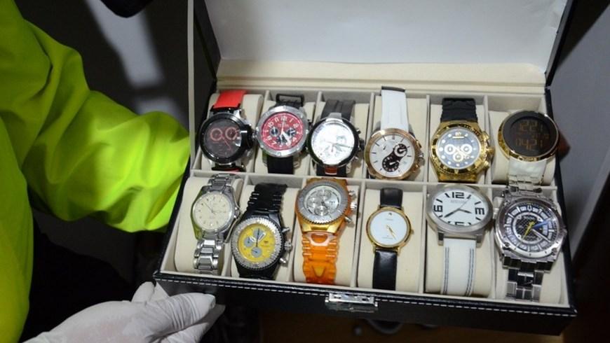 Colección de relojes hallados durante uno de los allanamientos. Foto: Policía Metropolitana