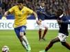 hiago Silva (i) disputa el balón con Blaise Matuidi (d) de Francia hoy, jueves 26 de marzo de 2015,