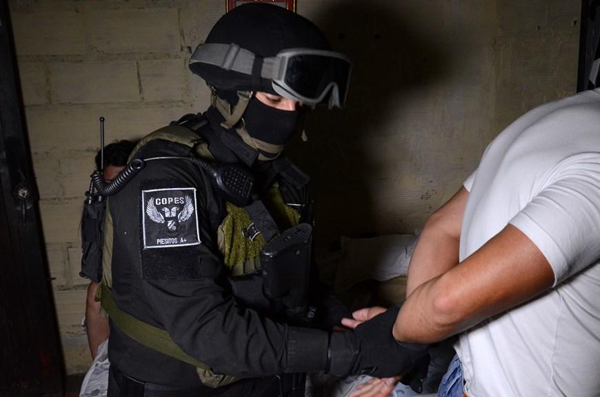Momento del operativo de captura. Foto: Policía Metropolitana