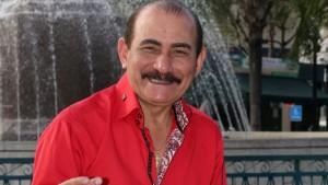 El salsero puertorriqueño Charlie Aponte se prepara para lanzar el próximo 2 de junio, junto al productor musical Sergio George, su primer disco como solista luego de su retirada de la legendaria orquesta El Gran Combo de Puerto Rico. EFE