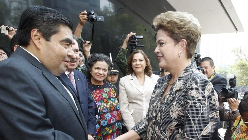 Rousseff insta a combatir la corrupción ante un México que endurece medidas