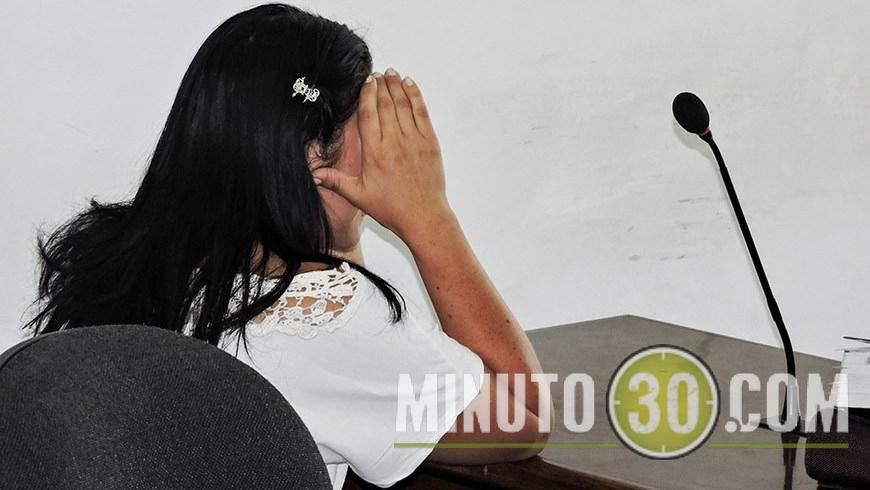 CAPTURADA POR PONER A ROBAR AL HIJO (3)