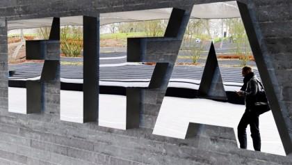 BLATTER INTENTA RESTAR IMPORTANCIA A LA SUSPENSIÓN DE SEIS MIEMBROS DE LA FIFA
