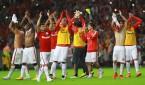 Jugadores del brasileño Internacional de Porto Alegre celebran tras vencer al colombiano Santa Fe durante su partido de ida de los cuartos de final de la Copa Libertadores de América en Porto Alegre (Brasil). Porto Alegre venció a Santa Fe 2-0. EFE