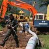 Se estima que entre 8.000 y 10.000 barriles de crudo fueron vertidos a los ríos como consecuencia del ataque contra el oleoducto Transandino, lo que ha afectado más del 70 % de los manglares del entorno. EFE/Archivo