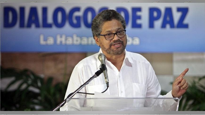 Luciano Marín, alias 'Iván Márquez', leyendo un comunicado de prensa en La Habana. Foto: EFE.