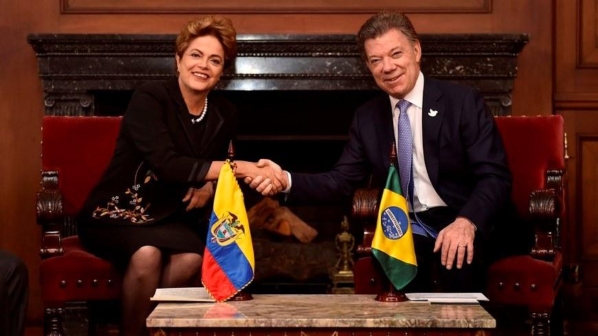 Los presidentes de Colombia, Juan Manuel Santos y de Brasil, Dilma Rousseff, se entrevistaron en Bogotá para fortalecer las relaciones binacionales, especialmente en materia de comercio, educación, agricultura y medio ambiente. La cita de los mandatarios fue en el Salón Protocolario de la Casa de Nariño.Foto: SIG.