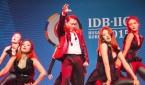 La estrella surcoreana Psy en su presentación, el 29 de marzo de 2015, en la fiesta de cierre de la 56ª asamblea anual del Banco Interamericano de Desarrollo (BID) celebrada en Busán (Corea del Sur). EFE/Archivo