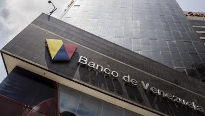 Fachada de una oficina de la entidad bancaria Banco de Venezuela.