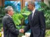 Los presidentes de EE. UU., Barack Obama, y Cuba, Raúl Castro, mantienen una reunión en Panamá. EFE