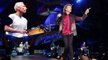 La legendaria banda de rock británica The Rolling Stones ofrece un concierto, el 25 de marzo de 2016, en la Ciudad Deportiva de La Habana (Cuba), con una audiencia multitudinaria. EFE/Archivo