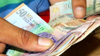 Dinero colombianos. Pesos.