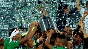 Jugadores del Atlético Nacional de Colombia celebran su victoria. Fotos: EFE.