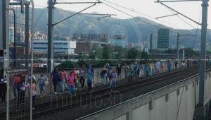 Metro de Medellín. Falla técnica deja sin servicio ocho estaciones.