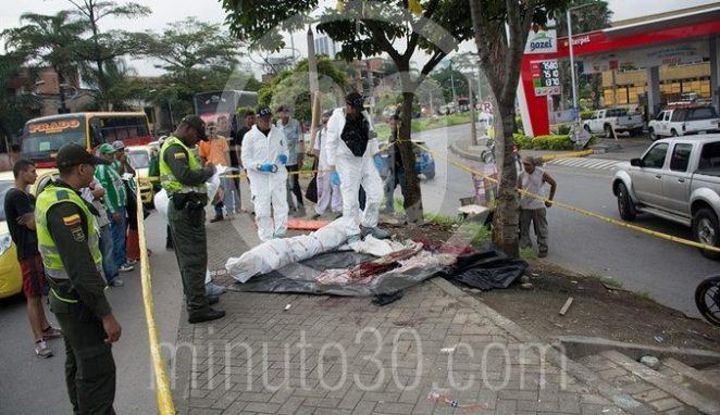 VIDEO Y FOTOS: En la avenida de Greiff encontraron muerto a un
