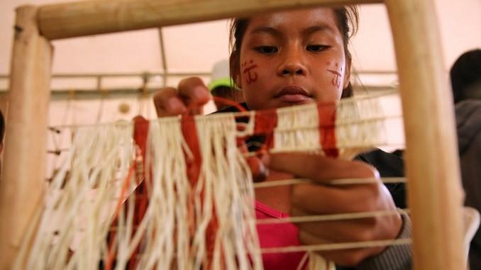 Lanzan plan en Colombia para potenciar comunidades indígenas y sus productos