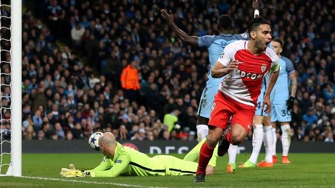 Manchester City en los primeros lugares de le Premier League