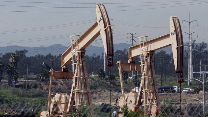 El precio del petróleo de Texas (WTI) para entrega en marzo abrió hoy con un descenso de 1,27 % (-0,69 dólares). EFE/Archivo