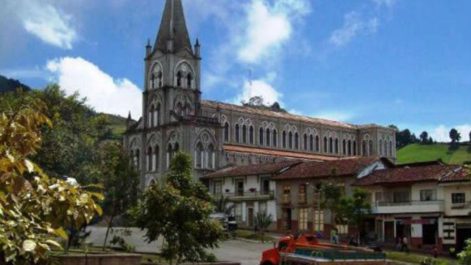 Alcalde de Caramanta, Antioquia, se accidentó en la vía Versalles - Minuto30.com