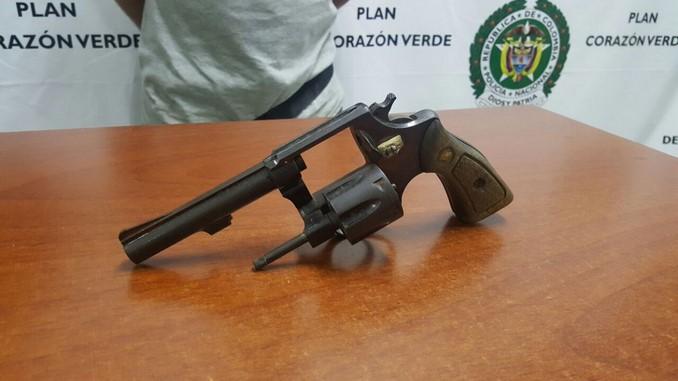 Lo cogieron en Pueblorrico con un arma de fuego, una de fogueo y ... - Minuto30.com