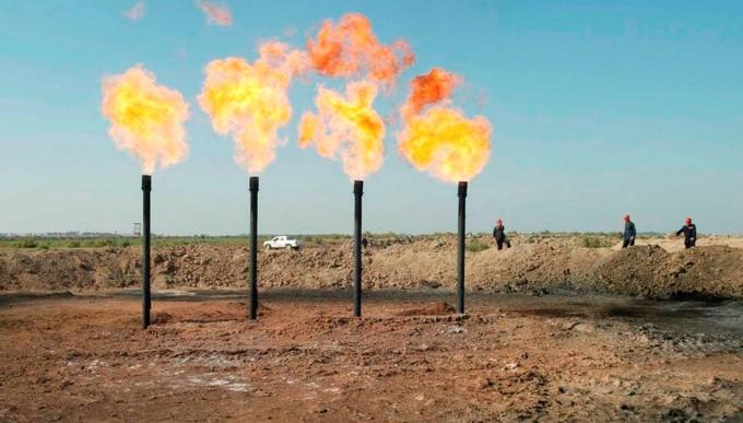 En la imagen, una refinería en Amara, a unos 450 km de Bagdad, Irak. EFE/Archivo