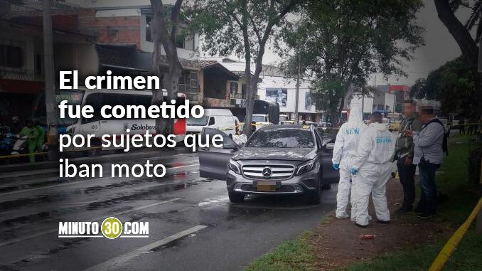 Asesinado dentro de camioneta en avenida Guayabal.