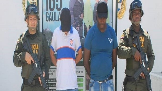 Presuntos extorsionistas capturados en Medellín.