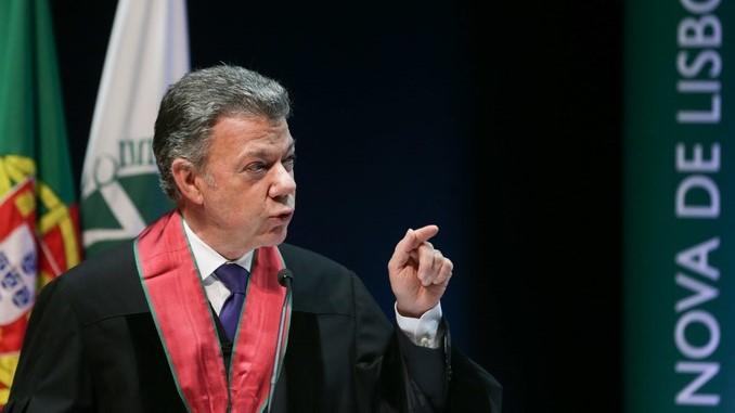 El presidente de Colombia y premio Nobel de la Paz, Juan Manuel Santos, en un acto ayer lunes, en Portugal. EFE