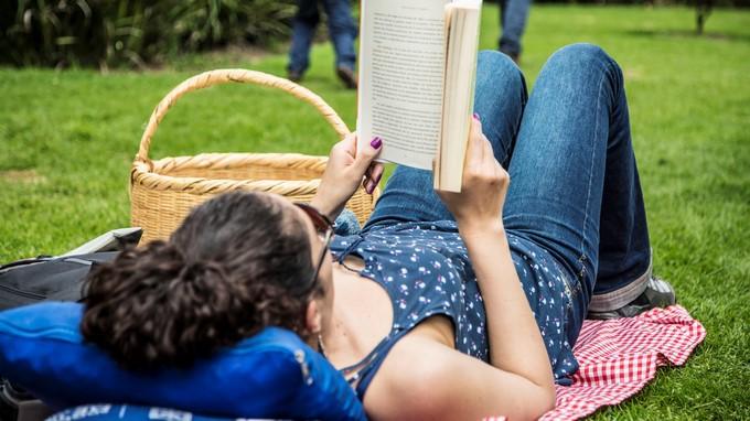 Regres el p cnic literario en el jard n bot nico en for Actividad de perros en el jardin botanico de caguas