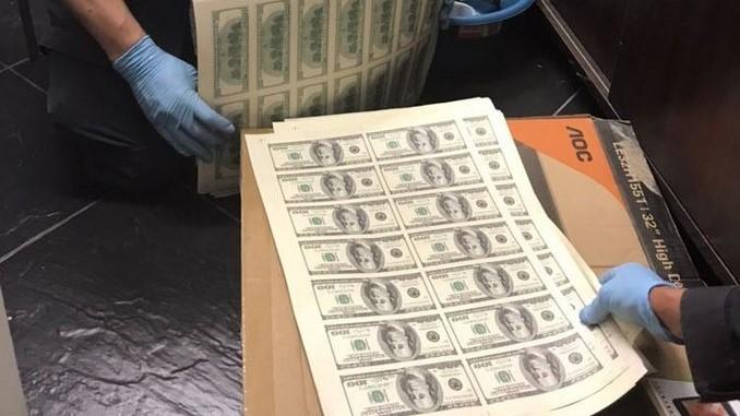 Más de 13 mil billetes de dólares falsos incautó la Fiscalía en el centro de Medellín