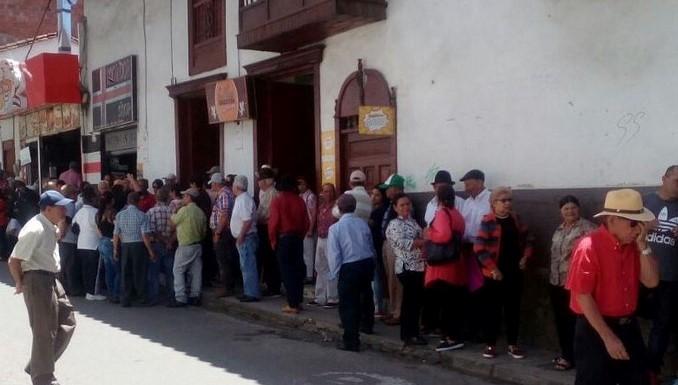 Personería reitera llamado para que se reubique la sede donde cobran la mesada los pensionados de La Ceja
