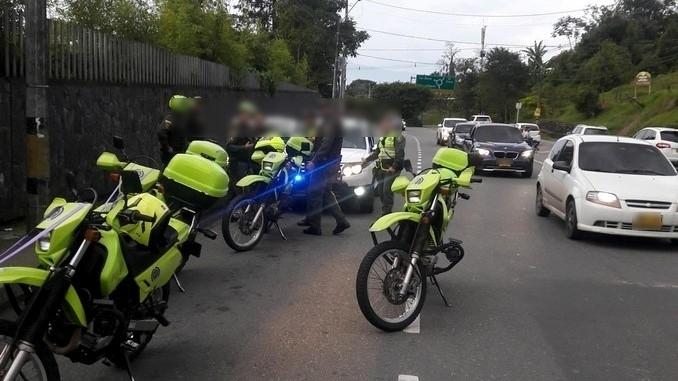 Capturaron a presunto fletero que en medio de su huida chocó su motocicleta contra un vehículo