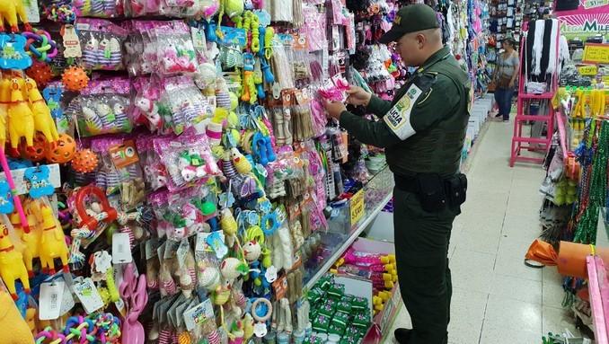 Más de 55 mil artículos de contrabando decomisó la Polfa en locales comerciales del Valle de Aburrá