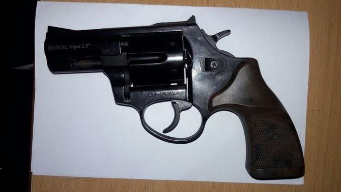 Con un revólver fue aprehendido un adolescente en el barrio Buenos Aires de Medellín